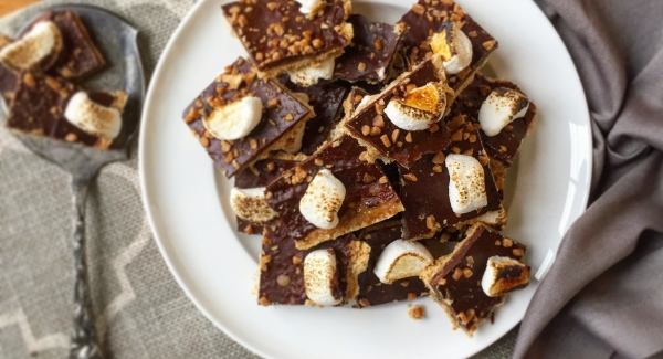 The Absolute Easiest Chocolate Bark