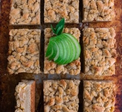 Apple Almond Crumble Bars
