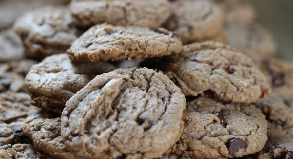 The Ultimate Chocolate Chip Oatmeal Almond Skor Cookie