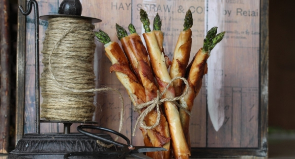 Bacon Phyllo Wrapped Asparagus Cigars