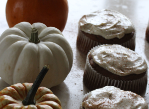 Gluten Free Quinoa Pumpkin Muffins with Healthy Cream Cheese Icing