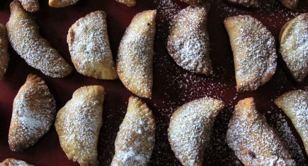 Ceci Ripieni: Italian Chickpea Chocolate Cookies