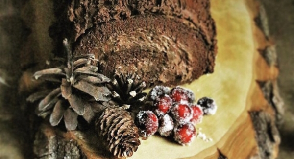 Buche de Noel: How to Make A Yule Log Cake For the Holidays
